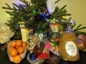Suformuoti šventiniai maisto paketai
